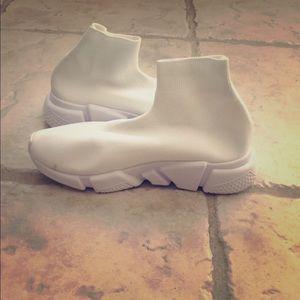 Accessories - Women's Sock Shoes